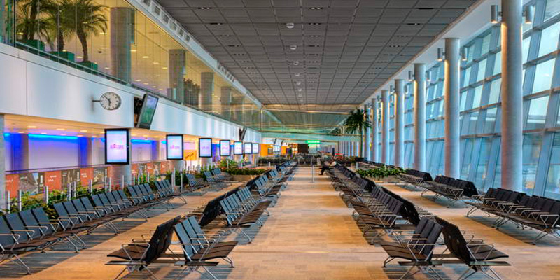 Аэропорт Абу-даби. транзитный зал