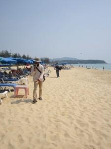 Торговцы на пляже свои товары не навязывают