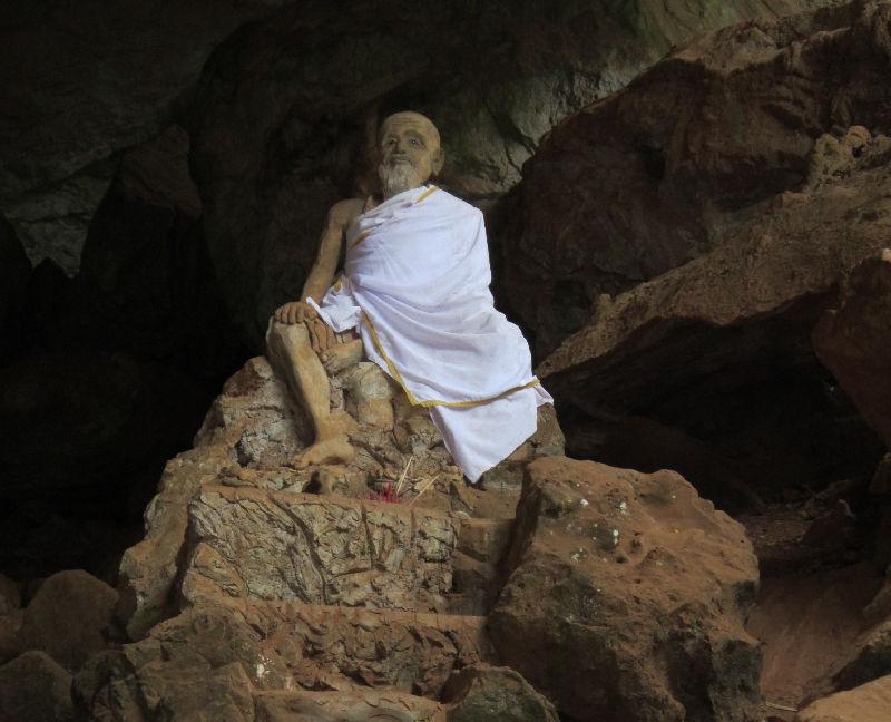 храм обезьян в Тайланде
