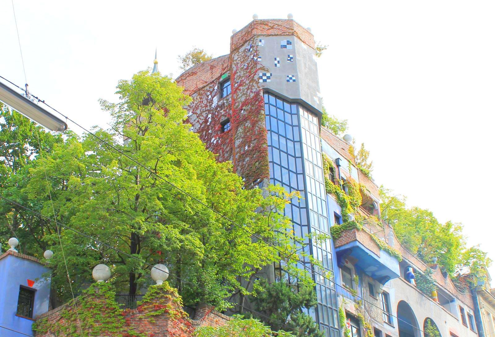 Дом Хундертвассера в Вене