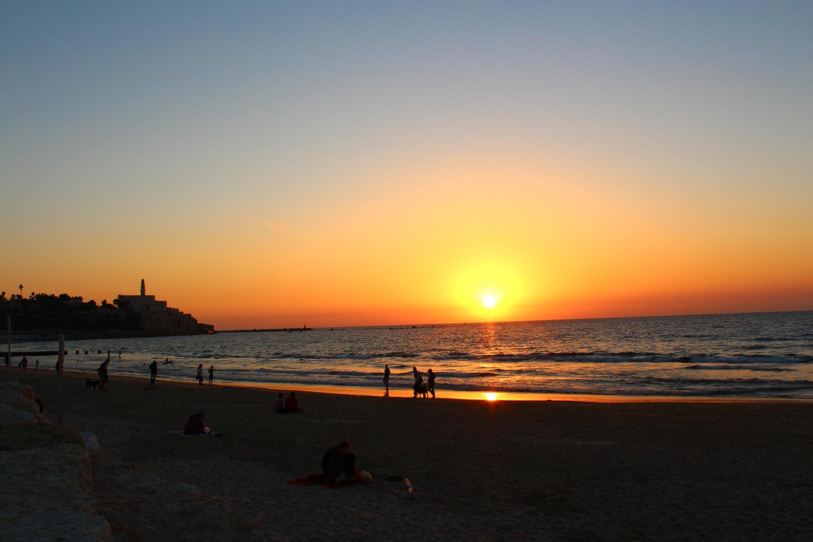 Один из многочисленных пляжей Тель-Авива
