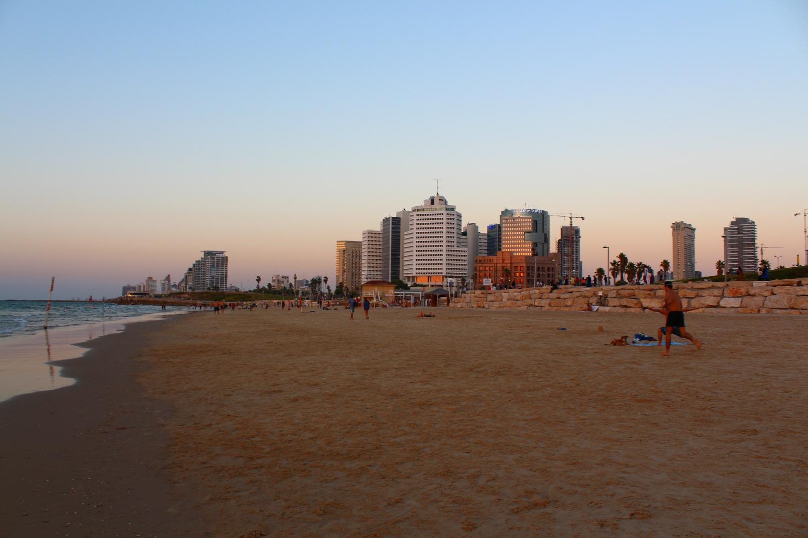 Тель-Авив никогда не спит