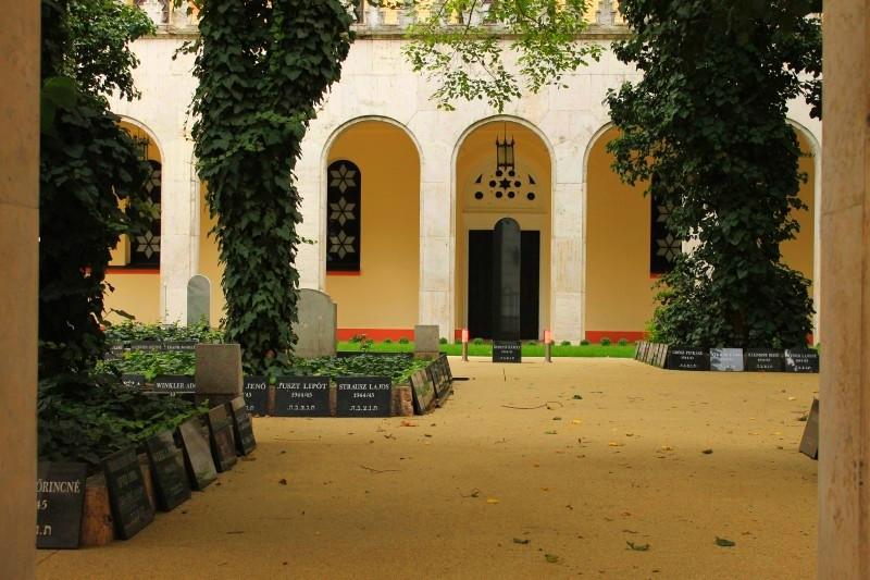 sinagoga_dvor