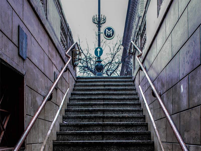 Выход со станции на линии M1 метро Будапешта