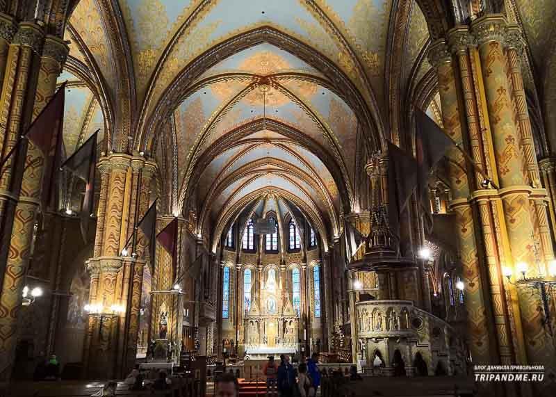 Готические своды собора Матьяша в Будапеште