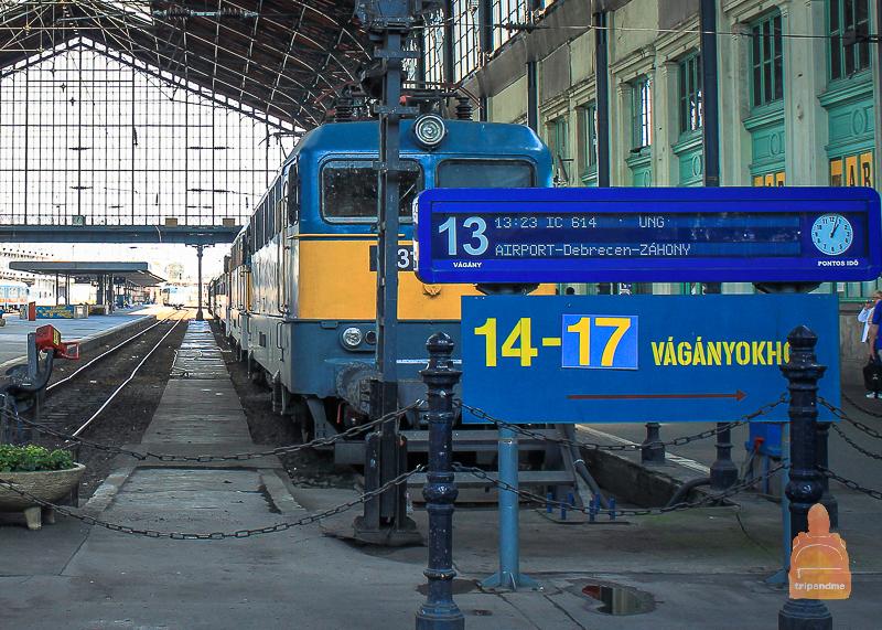 Один из поездов на ЖД вокзале Дебрецена