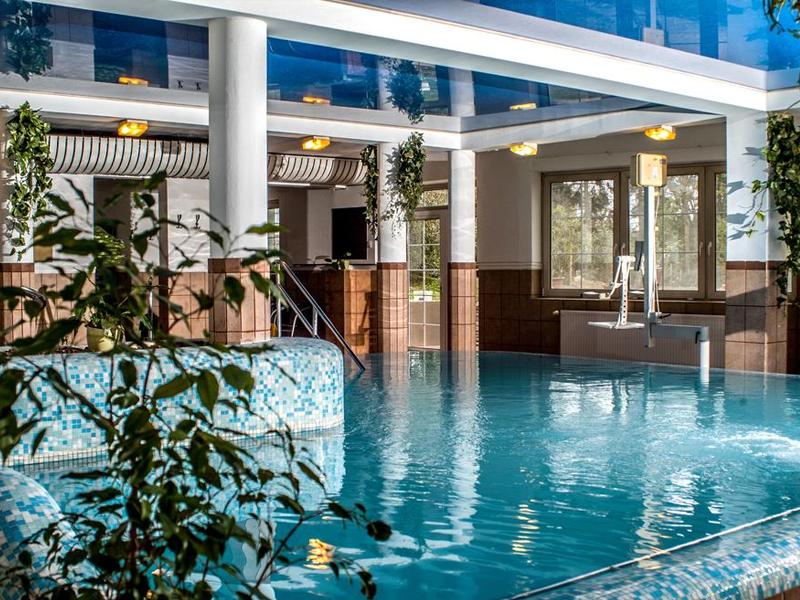 Во всех крупных отелях Хевиза есть свои бассейный и спа