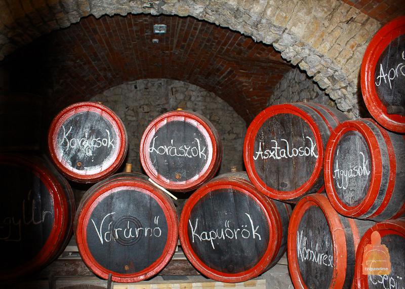 Бочки с вином в крепости