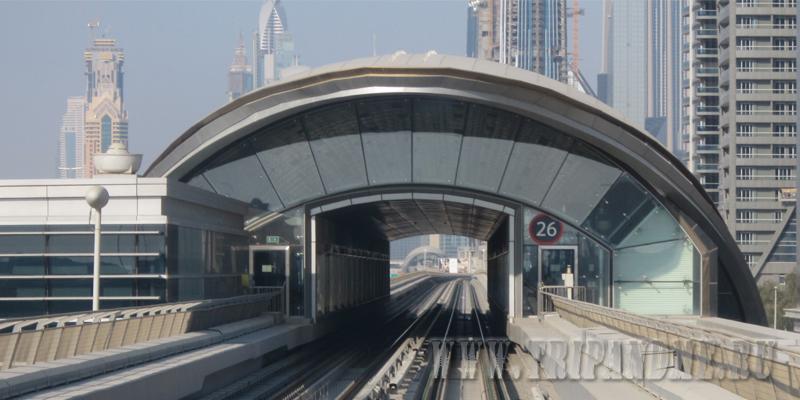 Одна из станций метро в Дубае