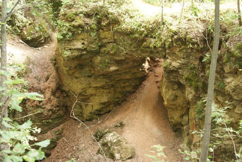 Ичалковские пещеры - это карстовые образования