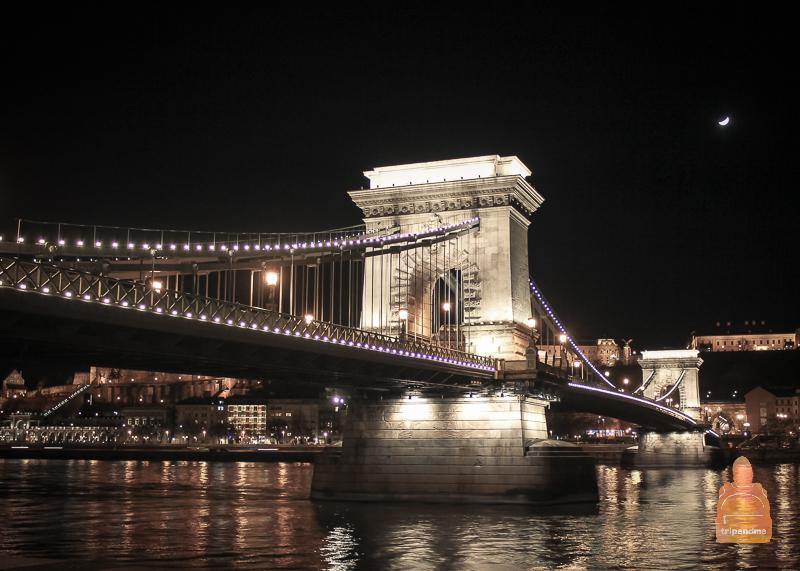 Мост Сечени в темное время суток