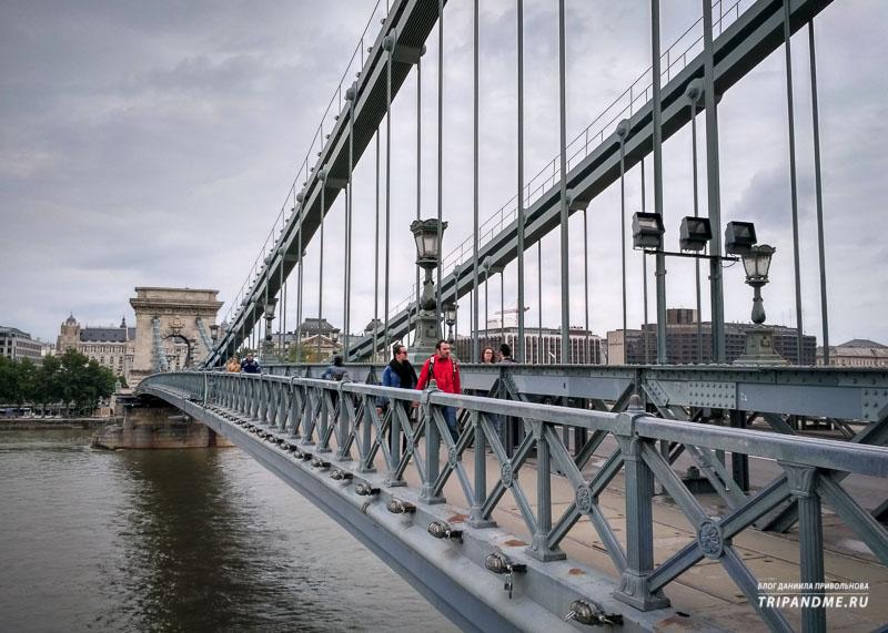 Мост автомобильный и пешеходный