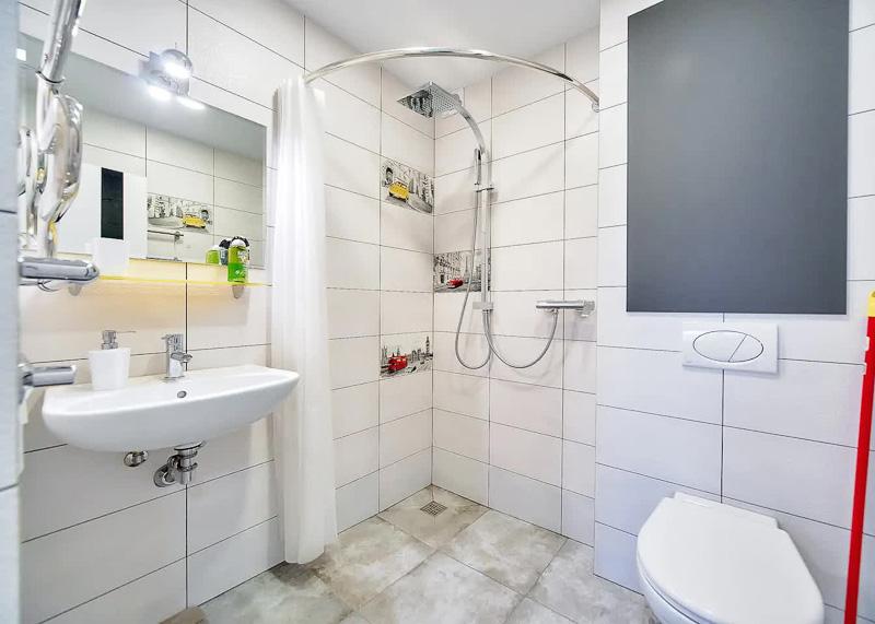 В ванной комнате есть все необходимое