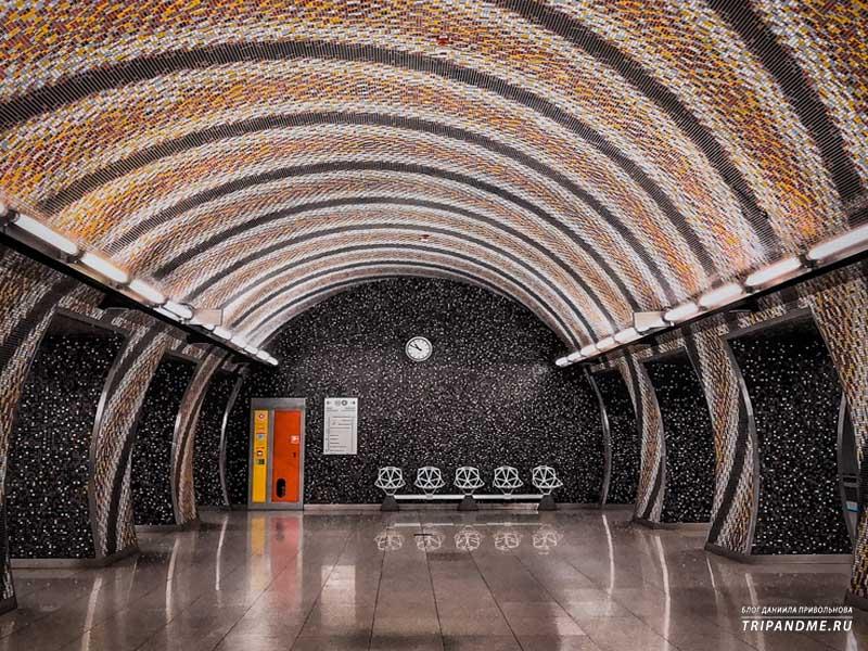 Опустевшая станция метро в Будапеште