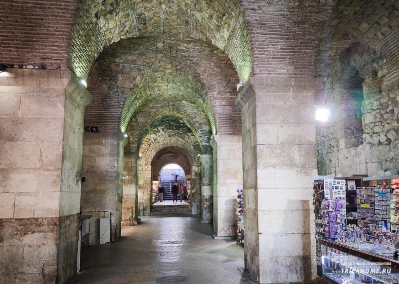 Подвалы дворца Диоклетиана