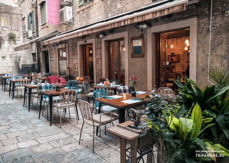 Ресторан в старом городе Сплита