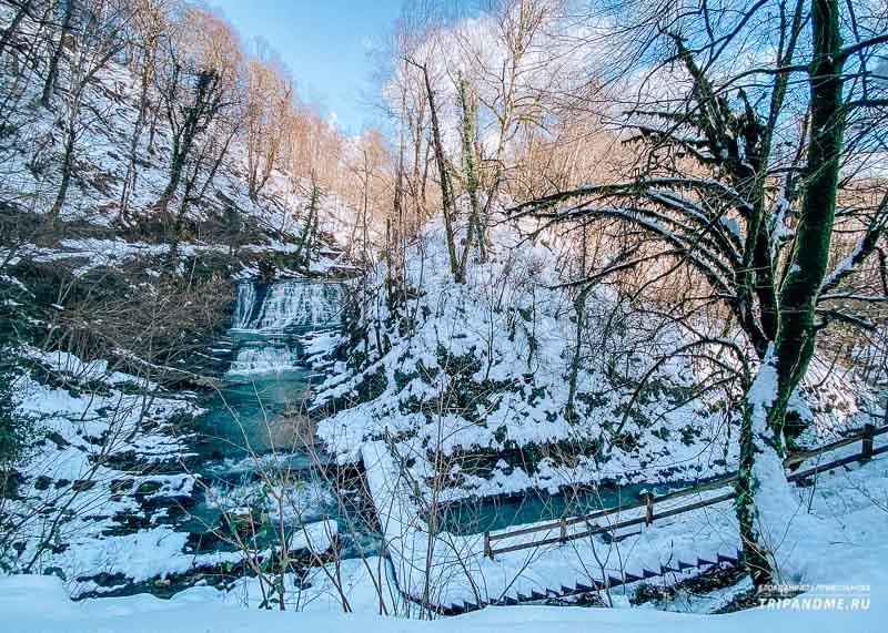 Летом в водопадах намного меньше воды