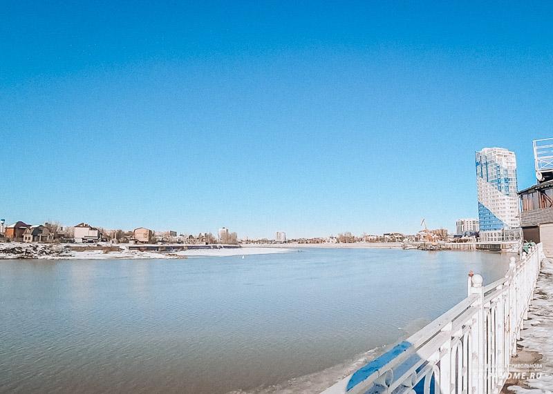 Вид на реку и Кубанонабережную
