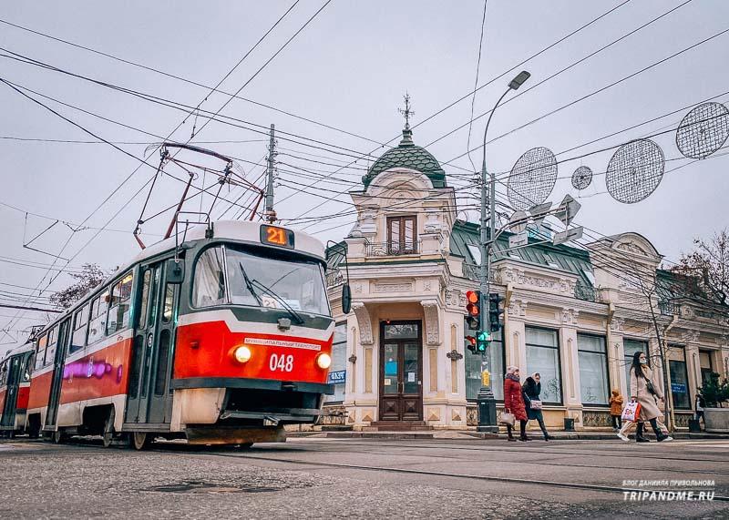 В центре города ходят много маршрутов трамваев