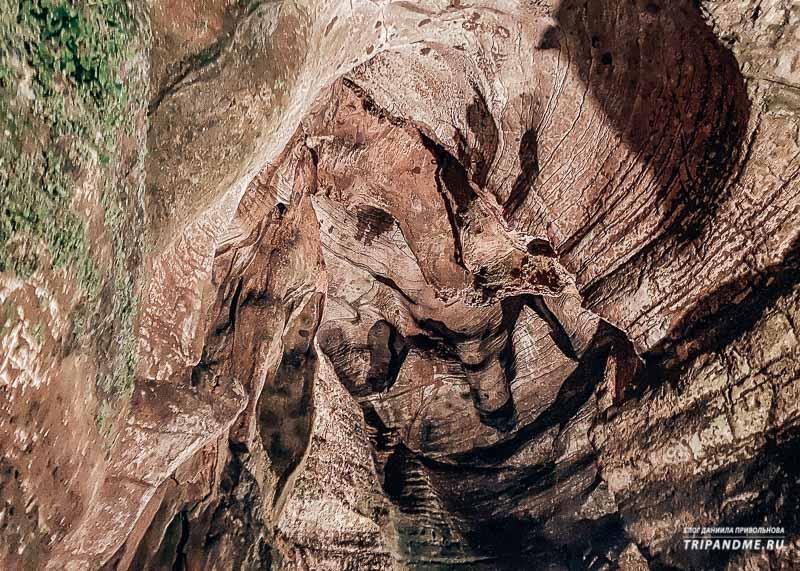 Потолок в Ахштырской пещере