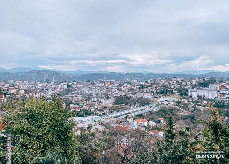 Вид на Сочи в сторону гор