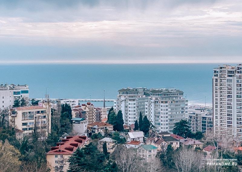 Вид со смотровой на Черное море