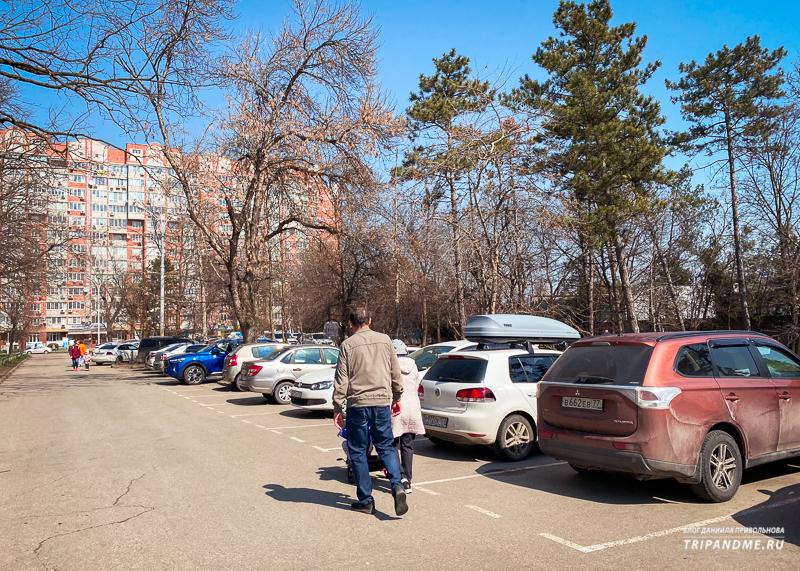Большая парковка у Чистяковской рощи