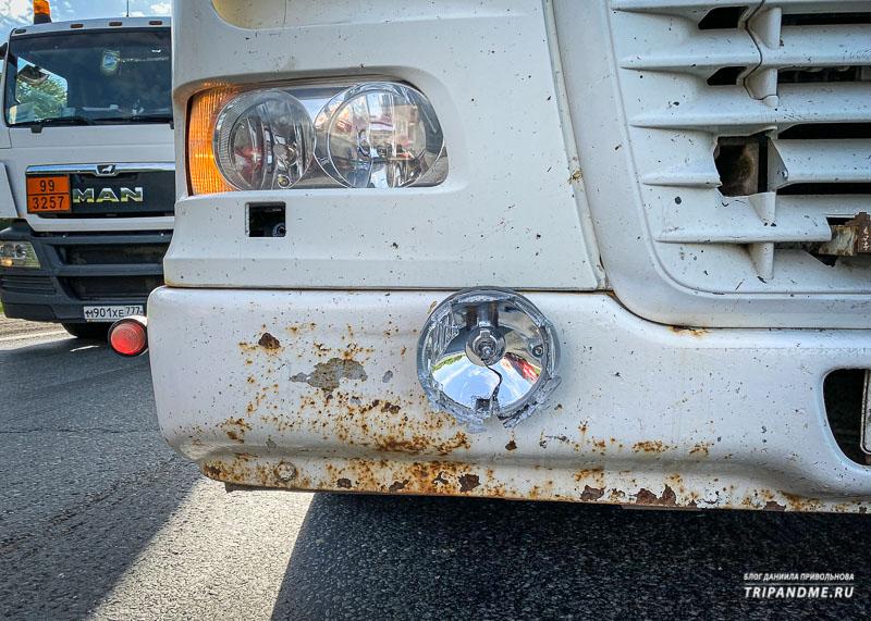Противотуманка фуры врезалась в бампер моего авто
