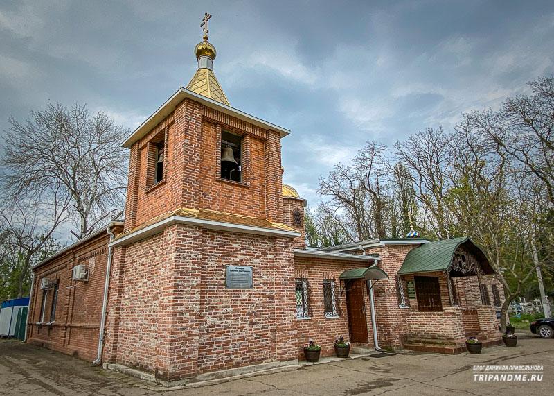 Церковь на Всесвятском кладбище